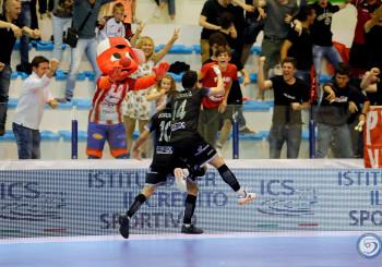 Vigilia di big match, domani Acqua&Sapone-Italservice. Pullman della società verso Pescara. Diretta tv su Rai Sport dalle 19