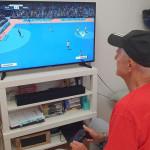 Fulvio Colini si allena con la PlayStation