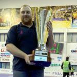 Marco Troilo con il trofeo dell'Italservice Campione d'Italia 2018-2019